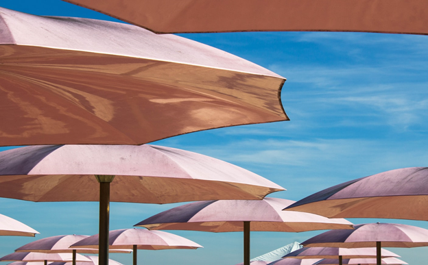 5 Factors to Consider When You're Buying Shade Sails