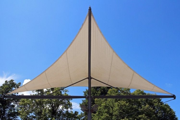 3 Different Types of Shade Sails for Your Backyard