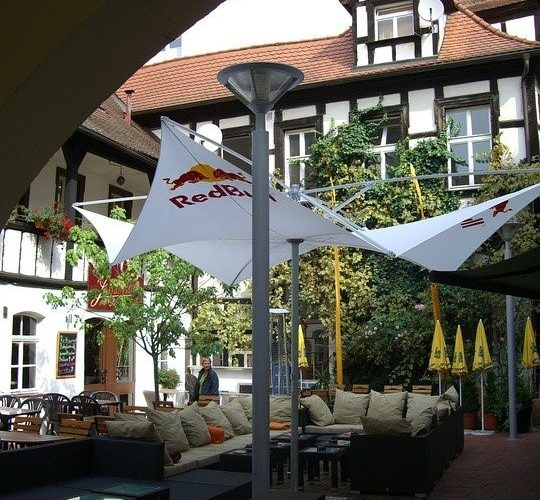 3 Reasons to Invest in Custom Shade Sails